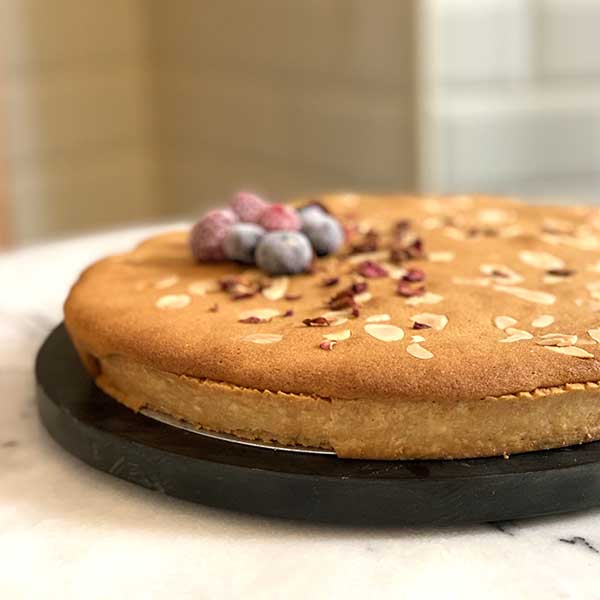 detalle tarta de pera grande