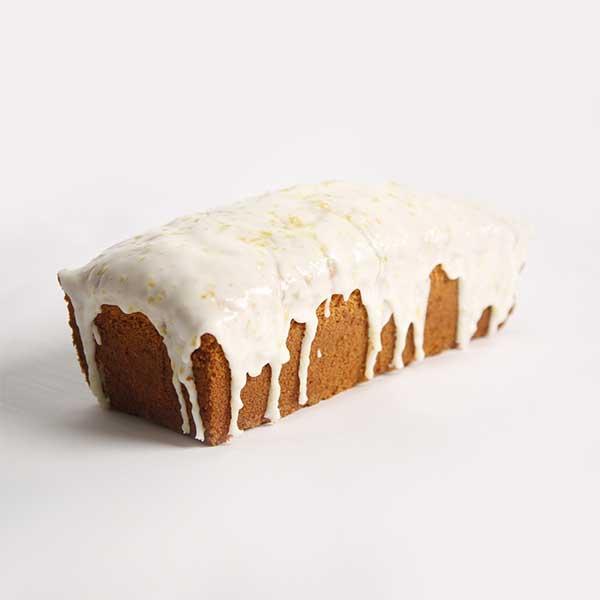 cake de limón entero con cobertura
